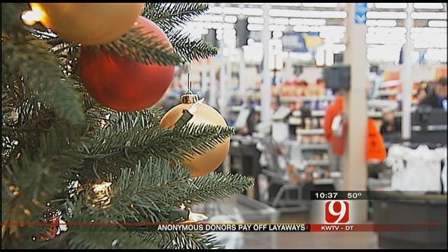 Anonymous 'Santas' Pay Off Layaways At Del City WalMart