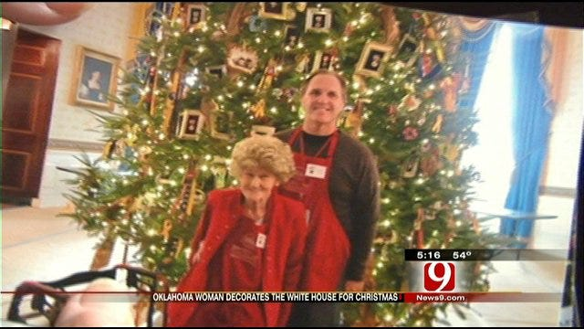 Norman Senior Helps Decorate White House For Christmas