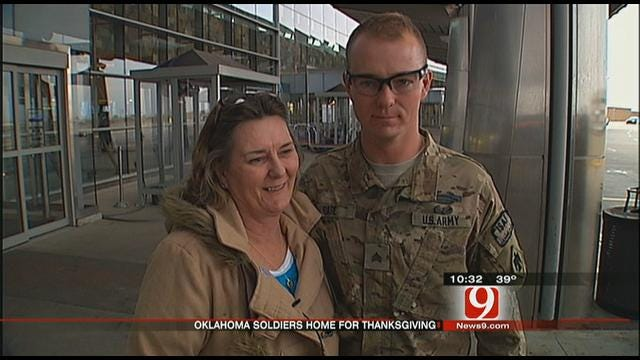 Soldiers Return To Oklahoma For Thanksgiving