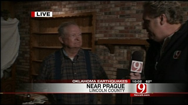 Kelly Ogle Talks To Earthquake Victims
