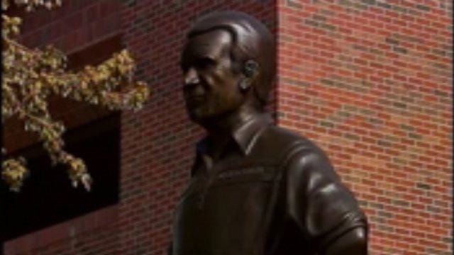 Barry Switzer Statue Unveiling