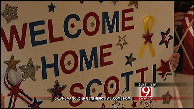 Wounded Soldier Gets Large Welcome Home