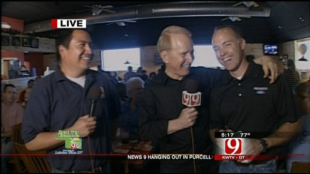 Darren, Gary Stop By Rodney's Pizza Place In Purcell