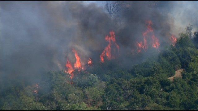 SkyNews9 Flies Over Wildfire Near Cushing