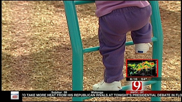 'Hovering' Parents May Be Making Kids Fat