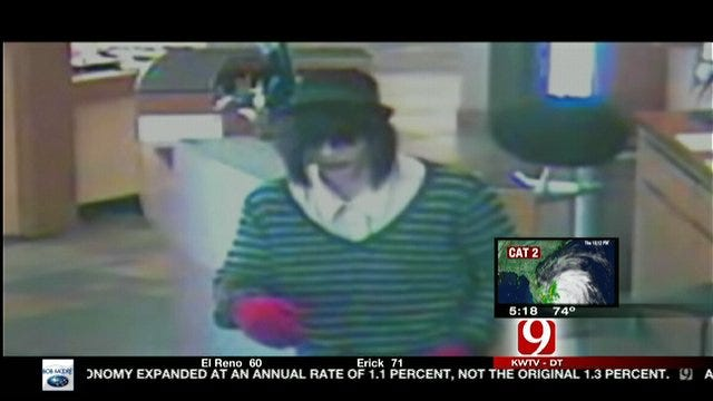 Clowns Rob Jewelry Store, But They Get Tricked