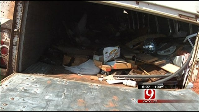 Tonado Victim Hit By Looters