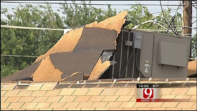 High Winds Rips Off Roofs, Cuts Power In OKC