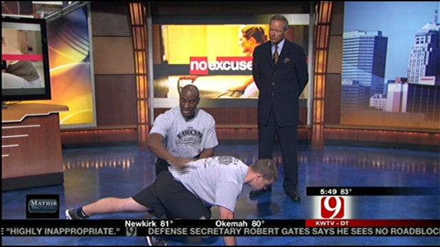 No-Excuses Tuesday: Mountain Climbers And Stationary Lunges