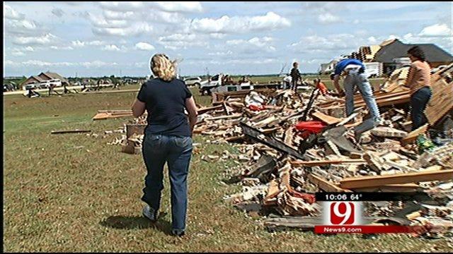 Tornado Clean-Up Begins For El Reno Residents