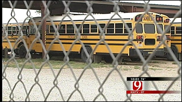 Chickasha Schools Investigating How 7-Year-Old Was Left On Bus All Day