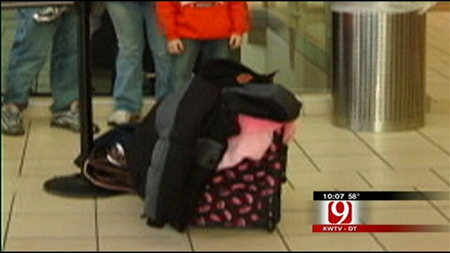 Consumer Watch: Family's Bag Seems To Have Disappeared After Vacation
