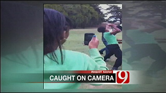 Middle School Students Fighting in Park Caught on Video