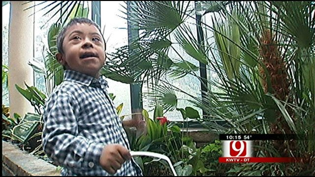 Rain Doesn't Ruin Special Easter Egg Hunt At OKC Zoo