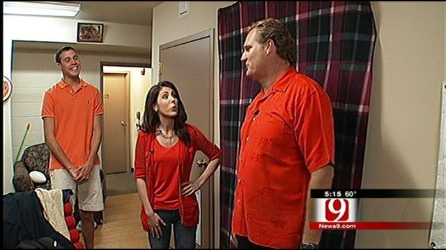 Kelly Ogle's Tour Of Frat House Brings Back Memories