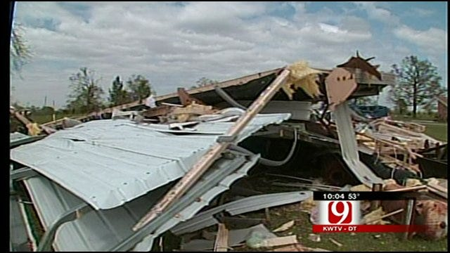 Man Finds 2 Sisters Dead After Tornado Destroys Homes In Tushka