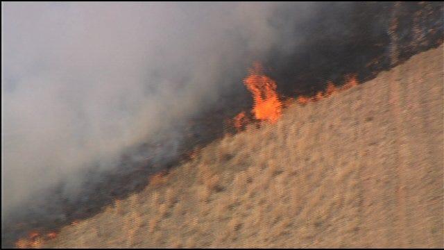 SkyNews 9 HD Flies Over Grassfire In Grady County