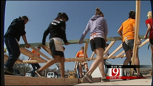 Students Give Up Spring Break to Help Others In OKC