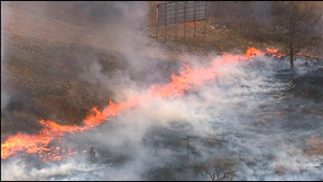 SkyNews 9 Flies Over Wildfire Near I-40 And Choctaw Road