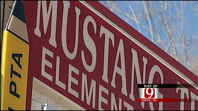 Board Votes For $7,000 Pay Increase For Mustang Superintendent