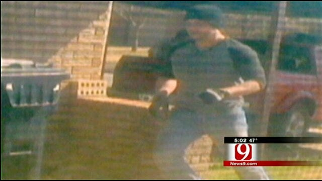 OKC Woman Acts Quick, Takes Pictures Of Thieves At Neighbor's Home