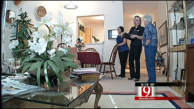 Company Helps Seniors Transition Into New Homes