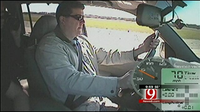 State Senator Authors Bill To Ban Texting While Driving