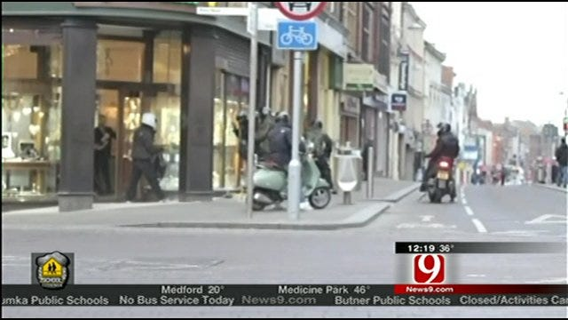 Woman Chases Off Robbers With Her Purse
