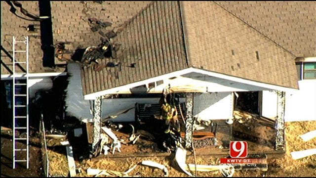 McClain County Grass Fire Destroys Home