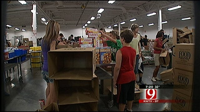 Chesapeake Gives Generous Donation To Regional Food Bank