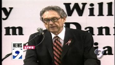 2001: Eddie Sutton Remembers The Ten During Memorial Service