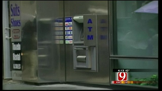 Hot Topics: Good Retailers and Dirty ATMs