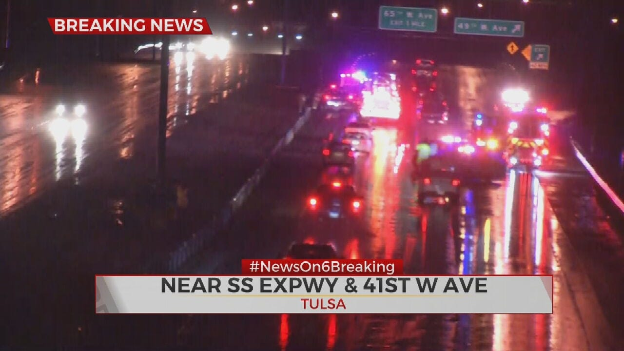 3 Vehicle Crash Closes Multiple Lanes On Keystone Expressway