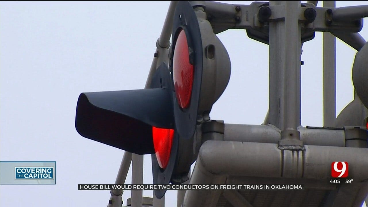 Bill Would Require 2 Conductors On Trains In Oklahoma