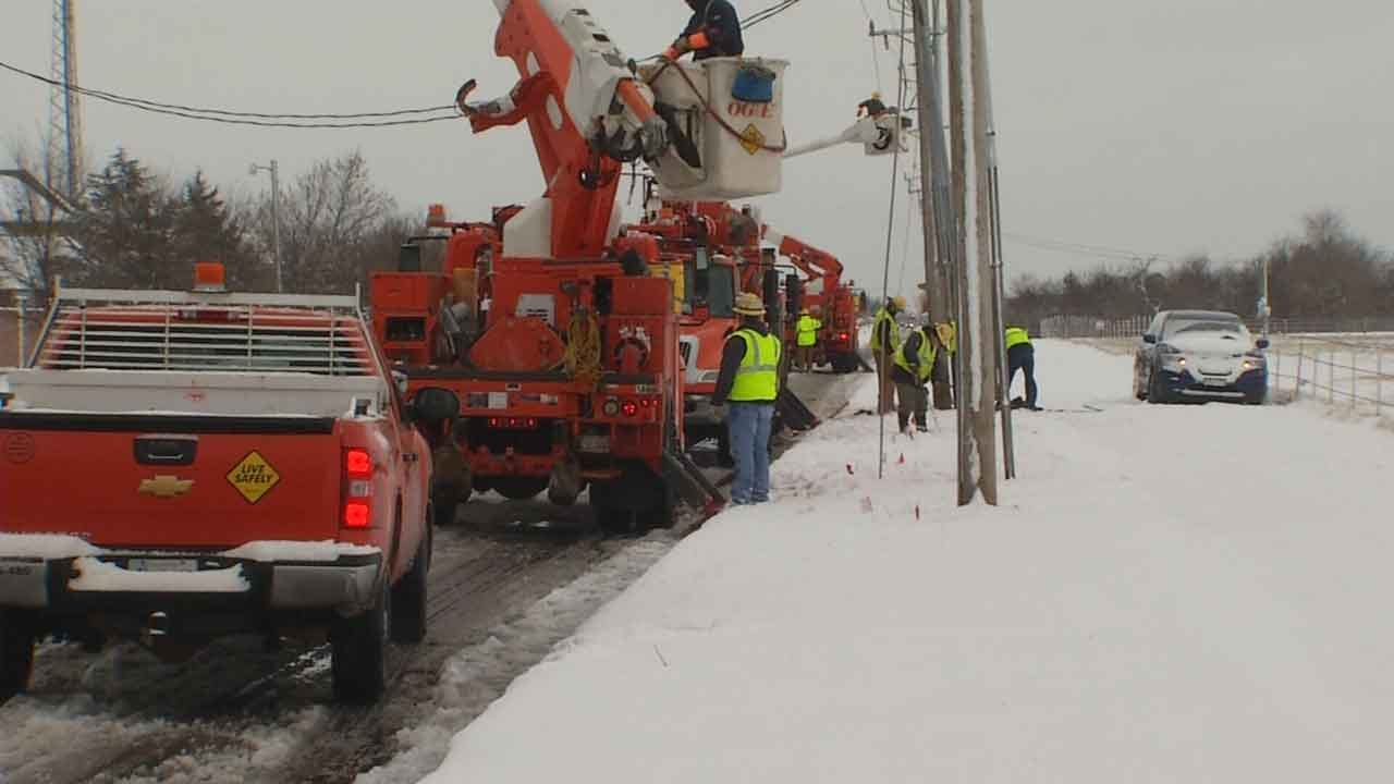 OG&E Works To Restore Power To Thousands Of Customers