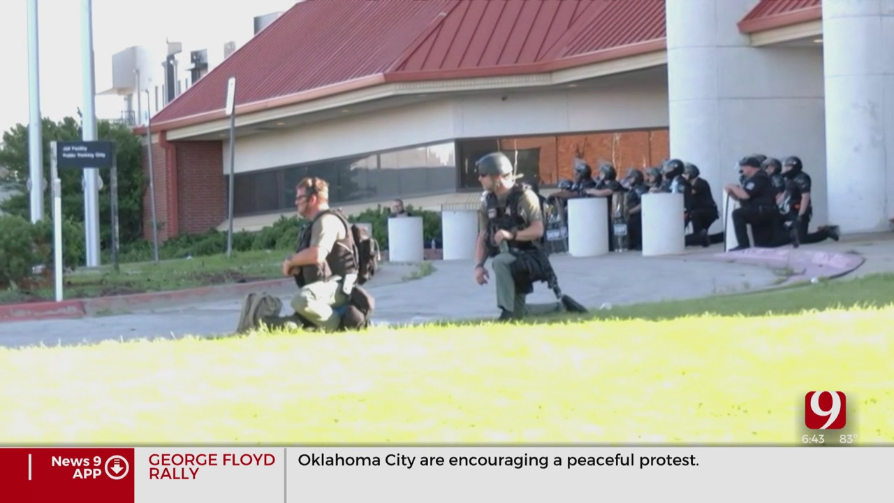 Oklahoma Law Enforcement Takes A Knee In Solidarity With Protesters