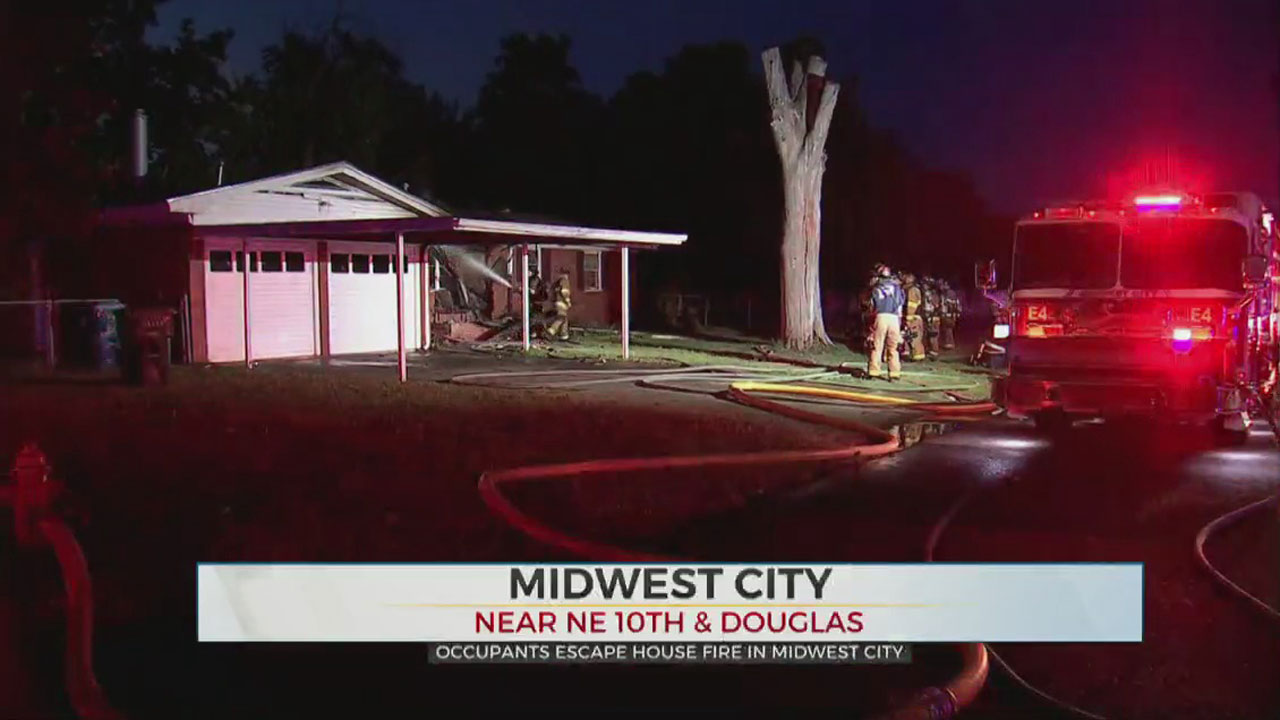 MWC Firefighters Knock Down Early Morning House Fire