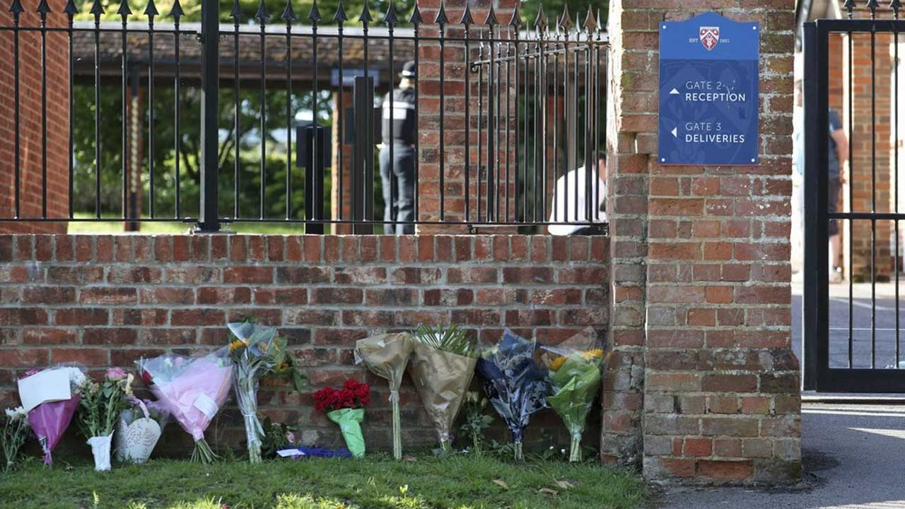 English Town Mourns Victims Of Suspected Terror Attack