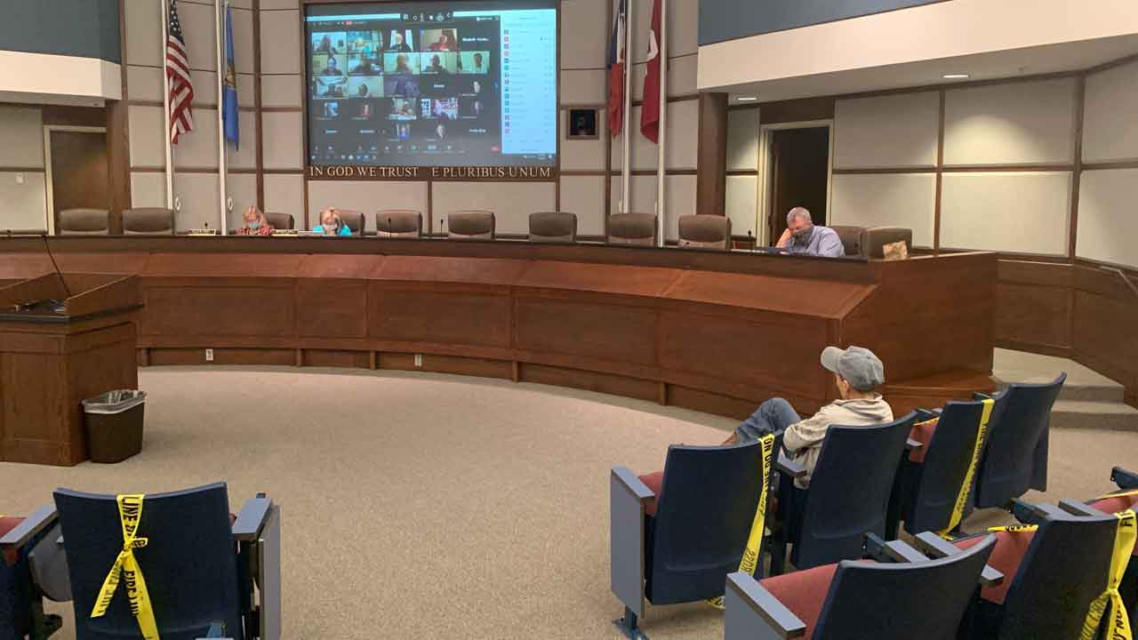 Norman City Council Passes Temporary Ordinance Requiring Facial Coverings