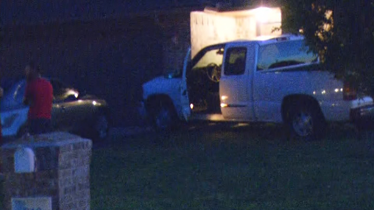 Police Searching For Driver After Truck Crashes Into Moore House