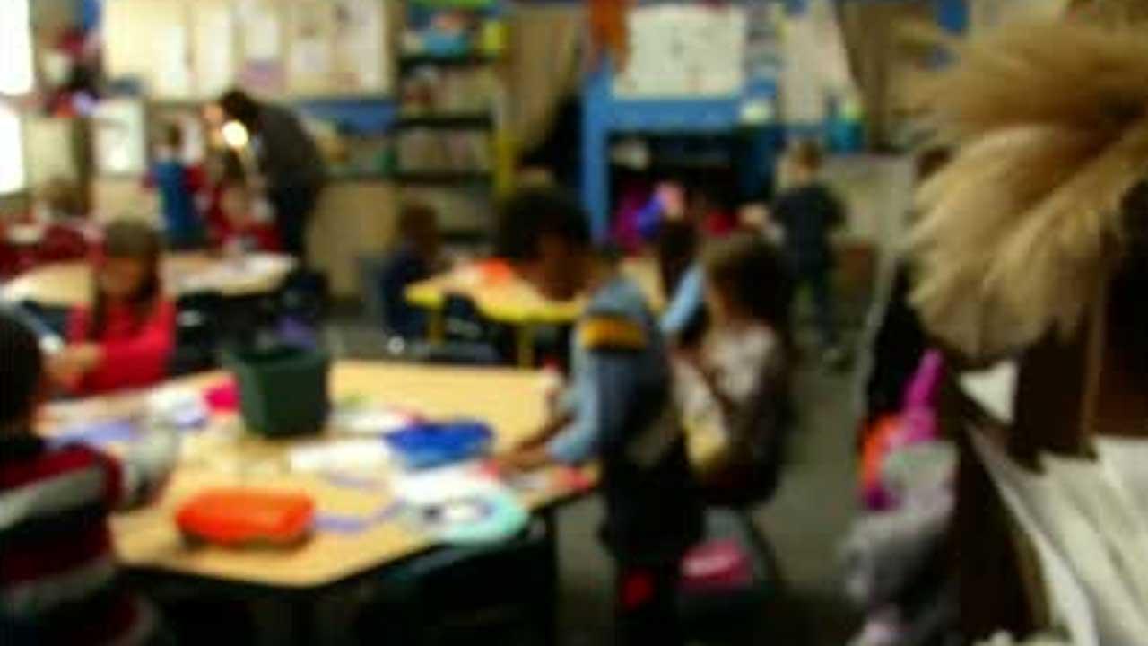 Edmond School Board Members Discuss Blended Schedule Model
