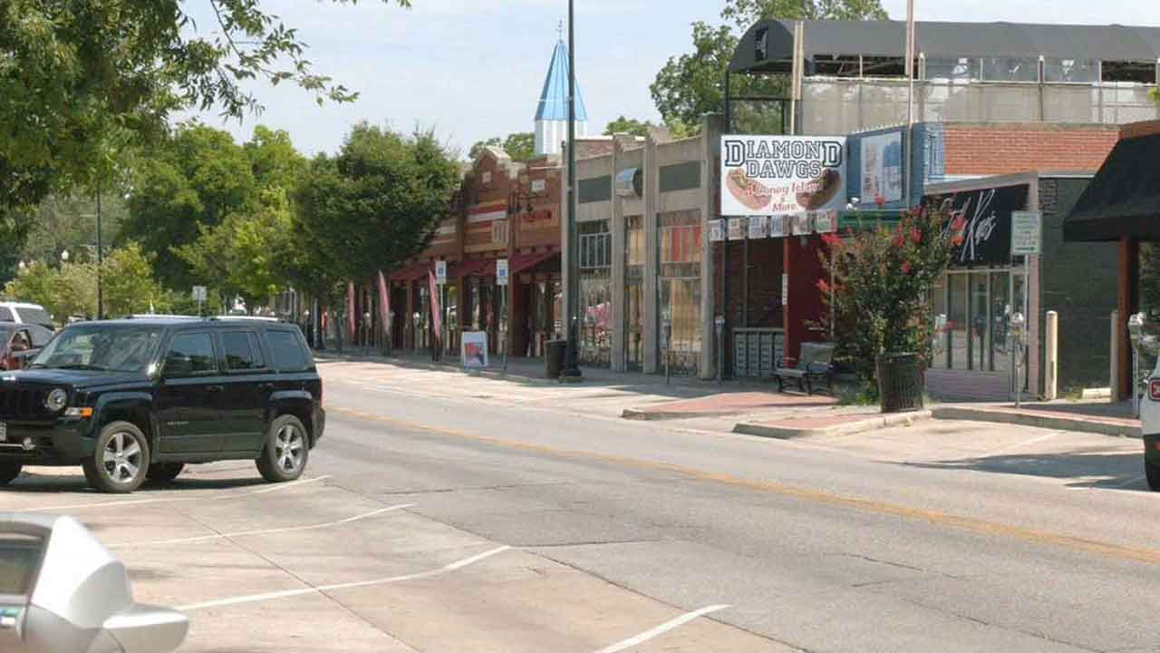 Norman Mayor Talks To Bar, Restaurant Owners For Recommendations To Keep COVID-19 Spread Low