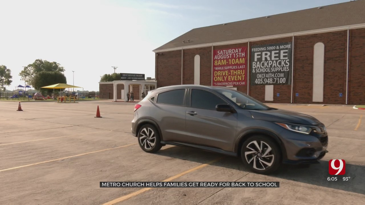 Metro Church Handed Out Backpacks