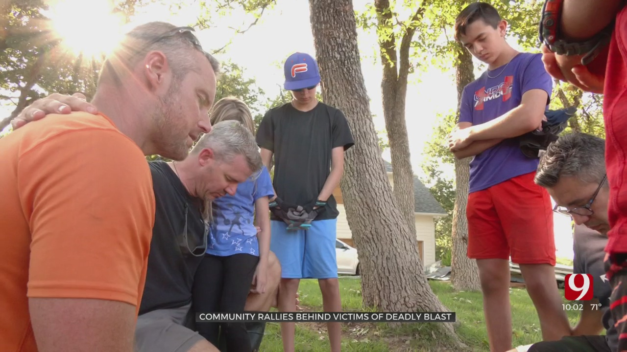 Neighbors Help Salvage Valuables From Rubble After OKC Home Explosion