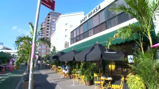 Restaurants Contend With Elements To Accommodate Outdoor Dining