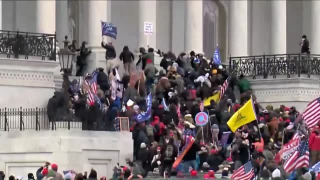 Photos Show Difference In How Police Responded To Anti-Racism Protests & The Siege At The US Capitol