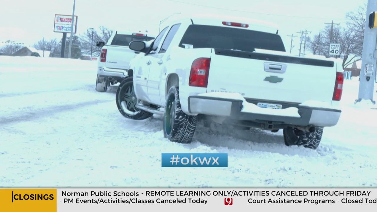Good Samaritan Helps Drivers Stuck In Snow