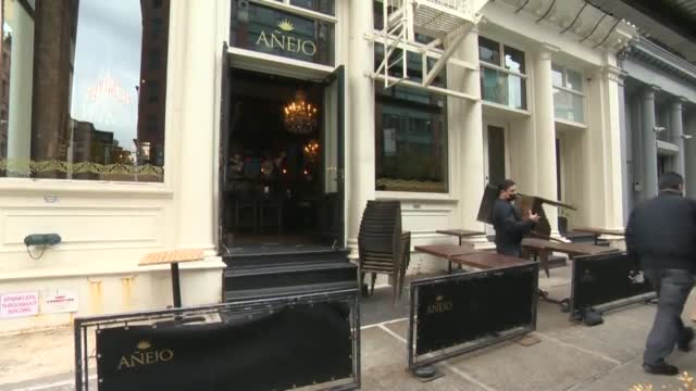 Demand For Heat Lamps Goes Up As Restauranteurs Struggle With Dropping Temps