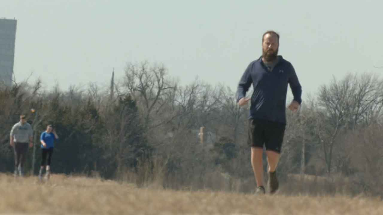 OKC Man Goes The Extra Mile(s) for Health Care Worker