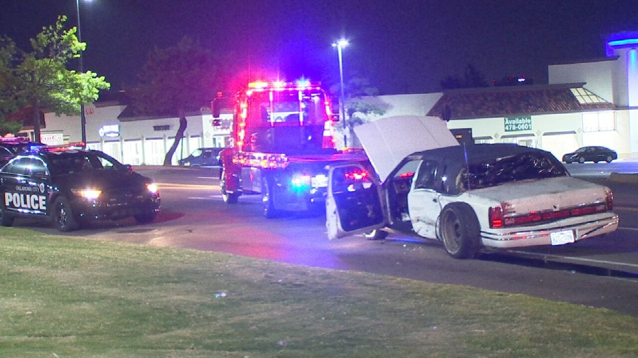 Oklahoma City Police Searching For 3 Suspects After Rollover Crash